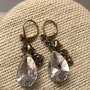 Vintage gold plated earrings w  tear drop crystal